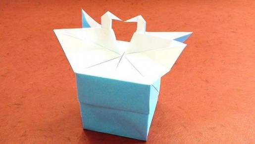 коробочка с лебедями