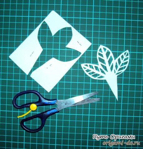 Как сделать розу из бумаги для мамы