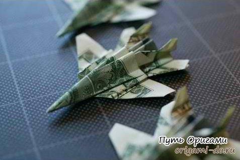 Самолет-истребитель F-18 из