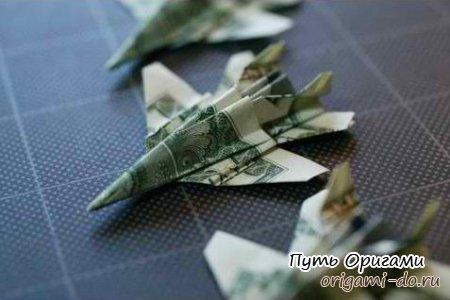 Самолет-истребитель F-18 из доллара