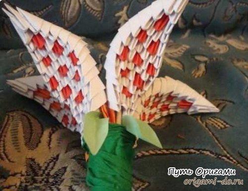 Лилия - модульное оригами