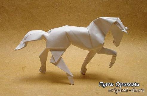 Лошадь оригами – поделка для