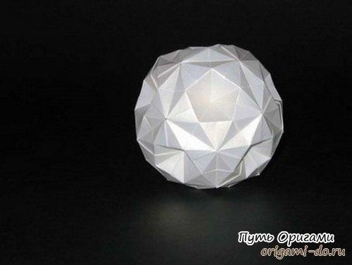 выше в искусстве оригами.